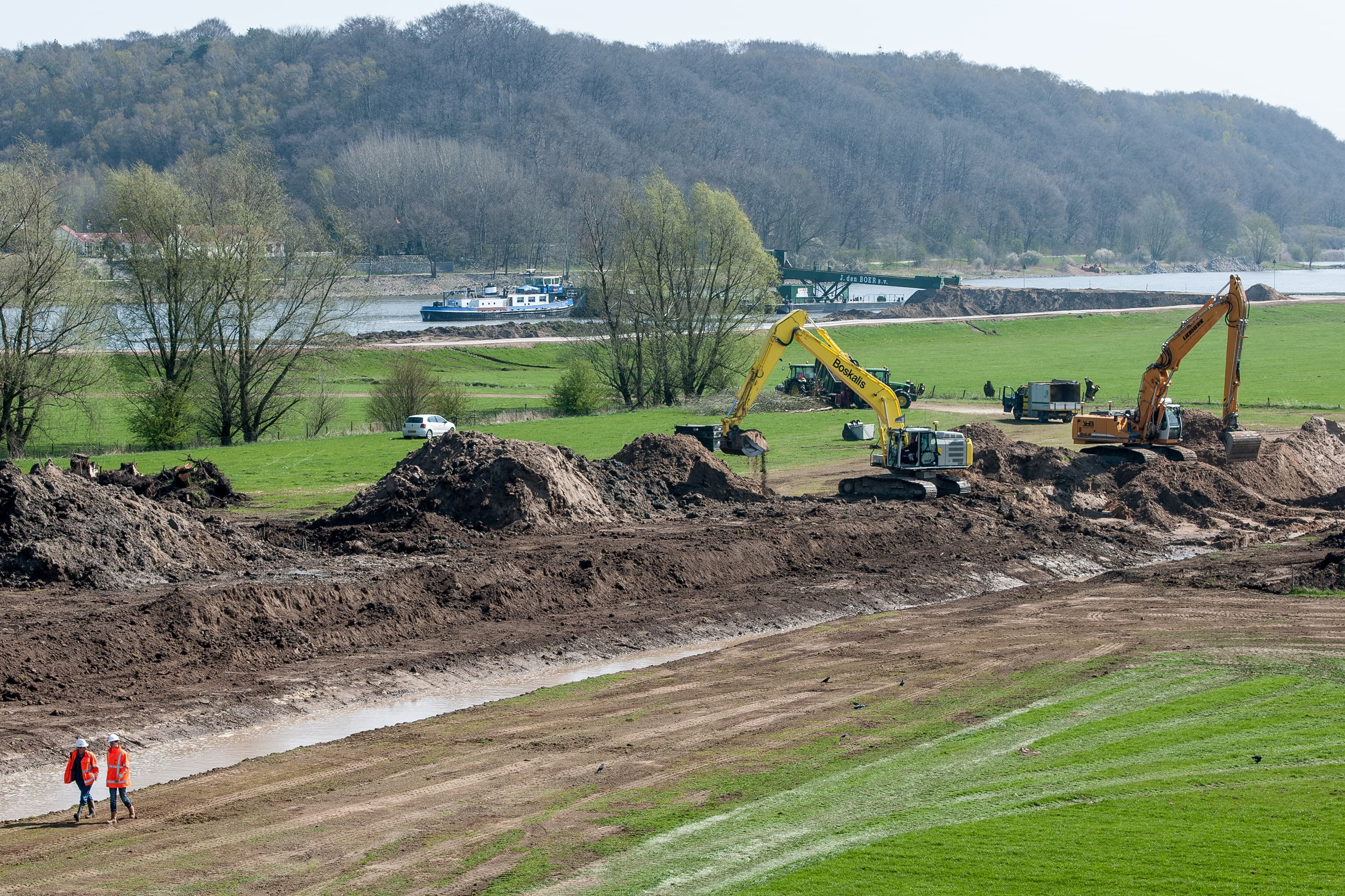 Widening the floodplains of the IJssel River