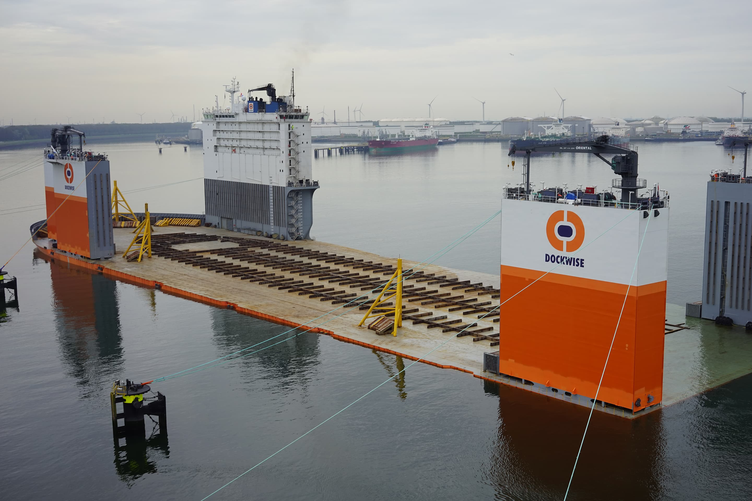 Cribbing wood onboard of the Dockwise Vanguard