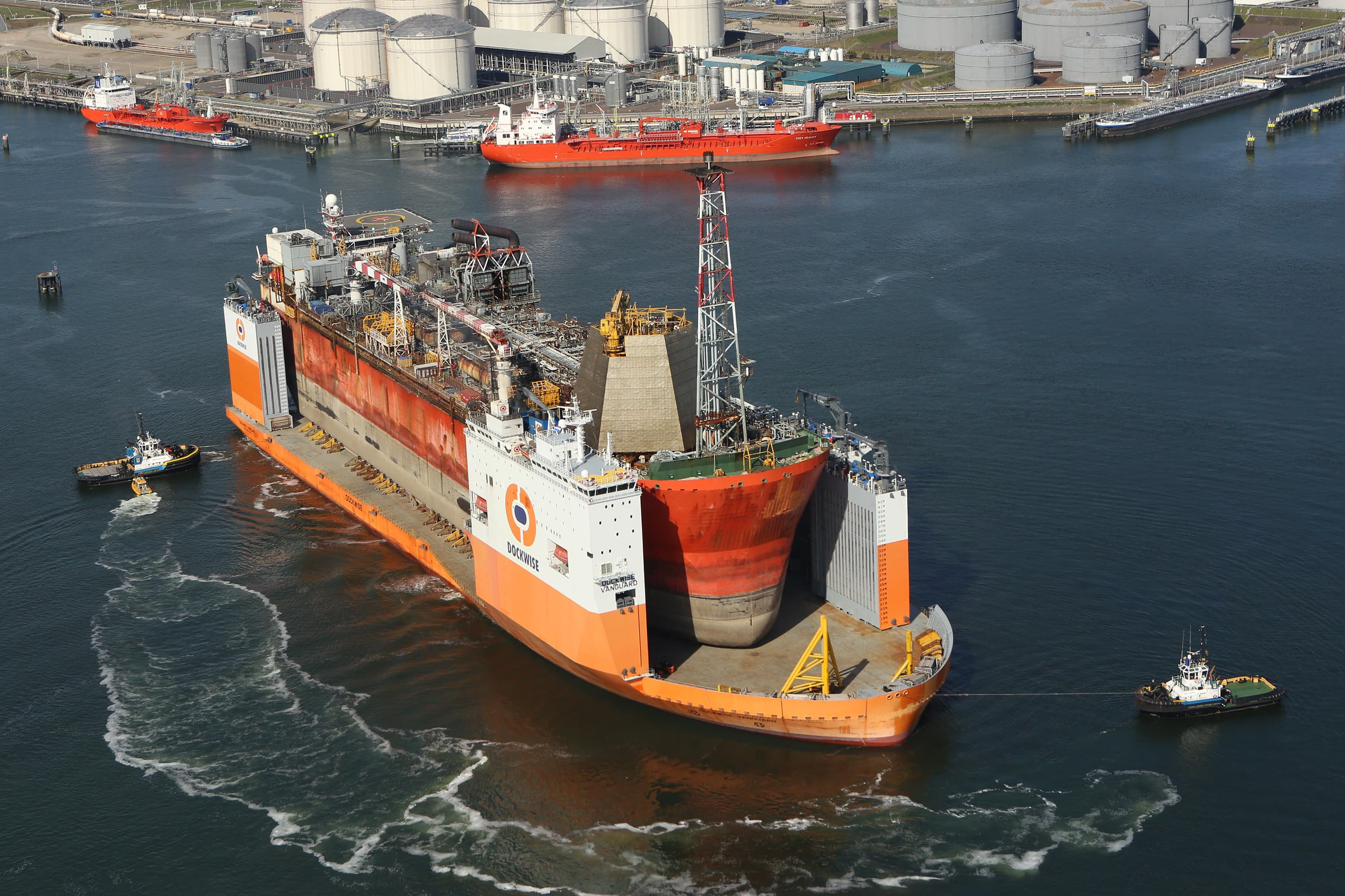 The Dockwise Vanguard sets sail to Batam, Indonesia